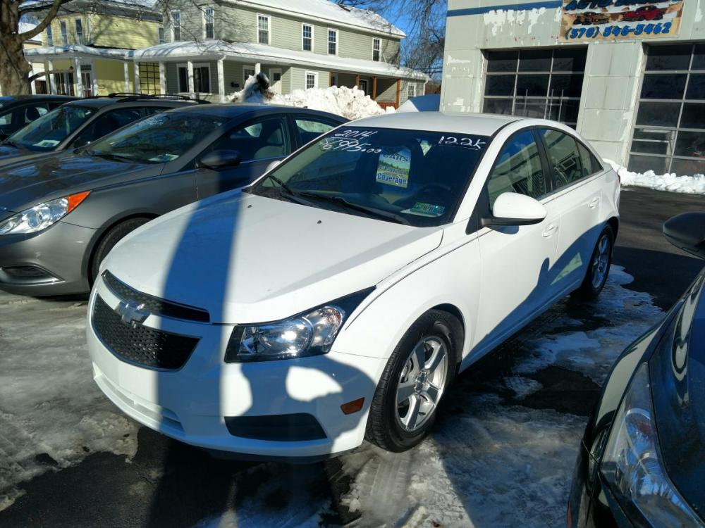 2014 white Chevrolet Cruze 1LT Auto (1G1PC5SB0E7) with an 1.4L L4 DOHC 16V TURBO engine, 6-Speed Automatic transmission, located at 101 N. Main Street, Muncy, PA, 17756, (570) 546-5462, 41.207691, -76.785942 - Photo #0